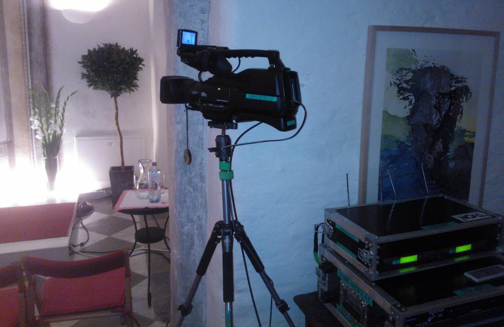 SONY Videokamera und Funkmikrofon Empfänger in Sankt Urban Carinthische Dialoge