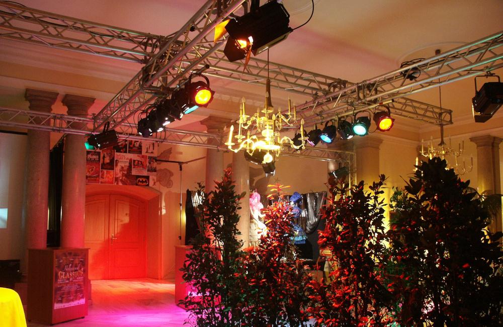 Traversenkonstruktion mit Beleuchtung für die Hollywood Classic Veranstaltung im Konzerthaus Klagenfurt