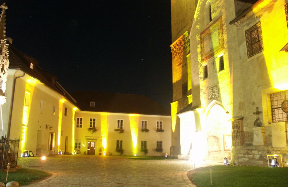 Outdoor Fassadenbeleuchtung Kirchenareal Maria Saal Kärnten