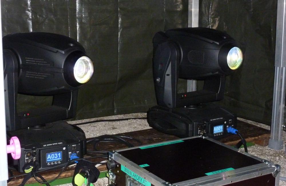 Moving Heads DTS XR 2000 CMY Spot für Gobo Projektion auf Schiff Mitarbeiterabend Kärntner Sparkasse Krumpendorf Wörthersee