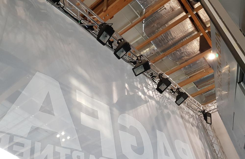 RAGFA Messestand auf der Messe AutoZum in Salzburg, Traversen und HQI Beleuchtung