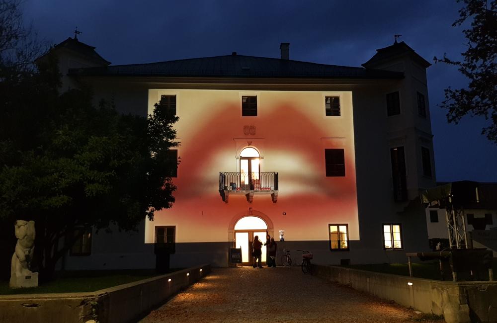 Fassadenprojektion Dinzschloss Villach