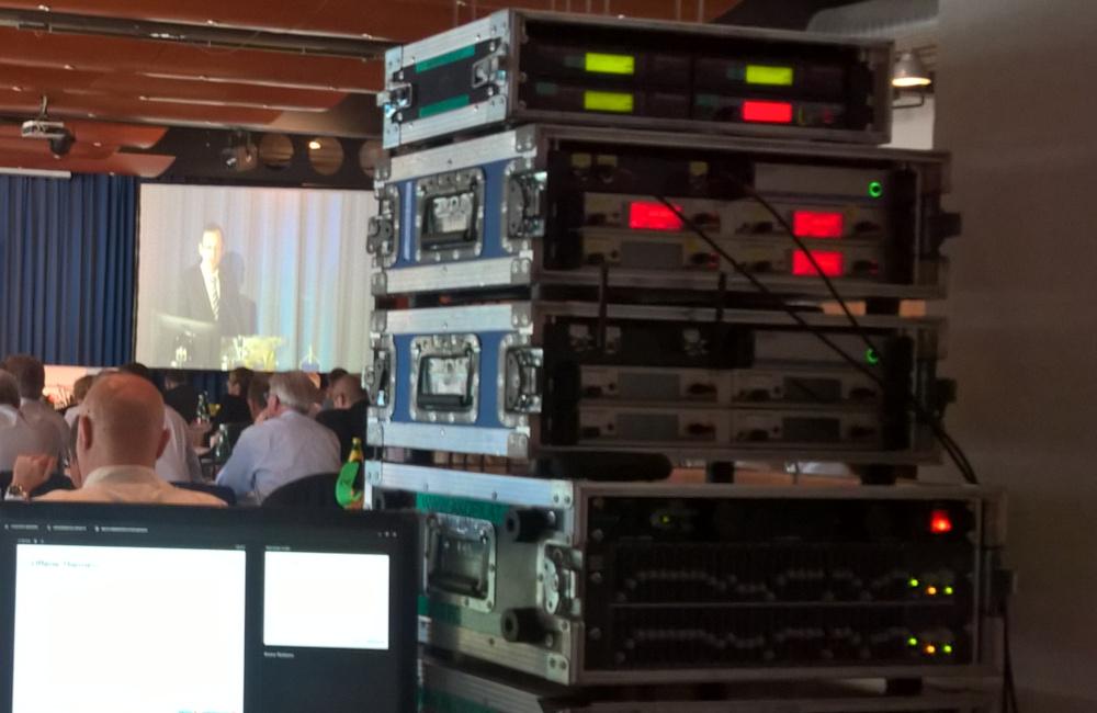 Funkmikrofon Empfänger, BSS EQ und Videoprojektion im Congresscenter Pörtschach am Wörthersse für Sparkasse