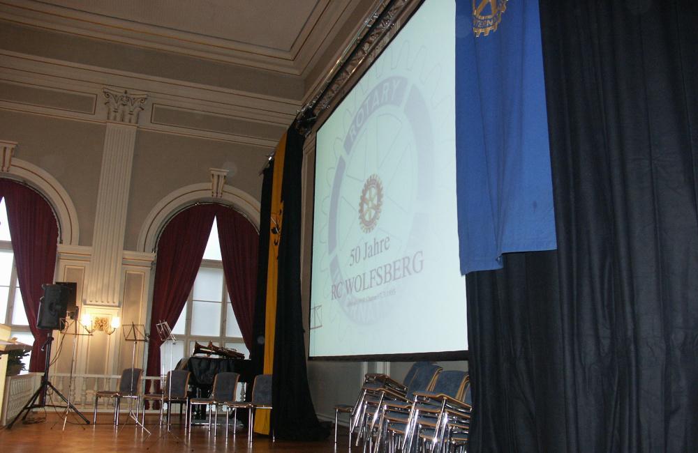 Bühne mit Videoprojektion und Tontechnik für Rotary Club Wolfsberg