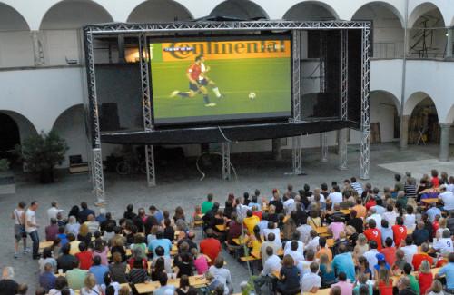 Public Viewing bei der EURO 2008 im Burghof Klagenfurt MMKK