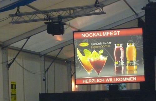 Videoprojektion mit BARCO Beamer beim Nockalmfest in Millstatt